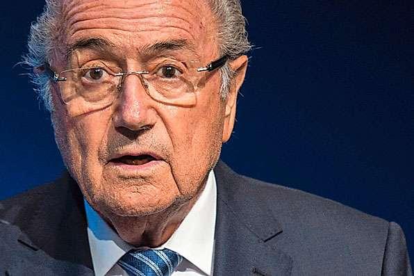Sepp Blatter gibt am Fifa-Hauptsitz in Zürich seinen Rücktritt bekannt.